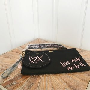 Victoria's Secret Bags - NWT Victoria's Secret Canvas Makeup Bag / Wristlet